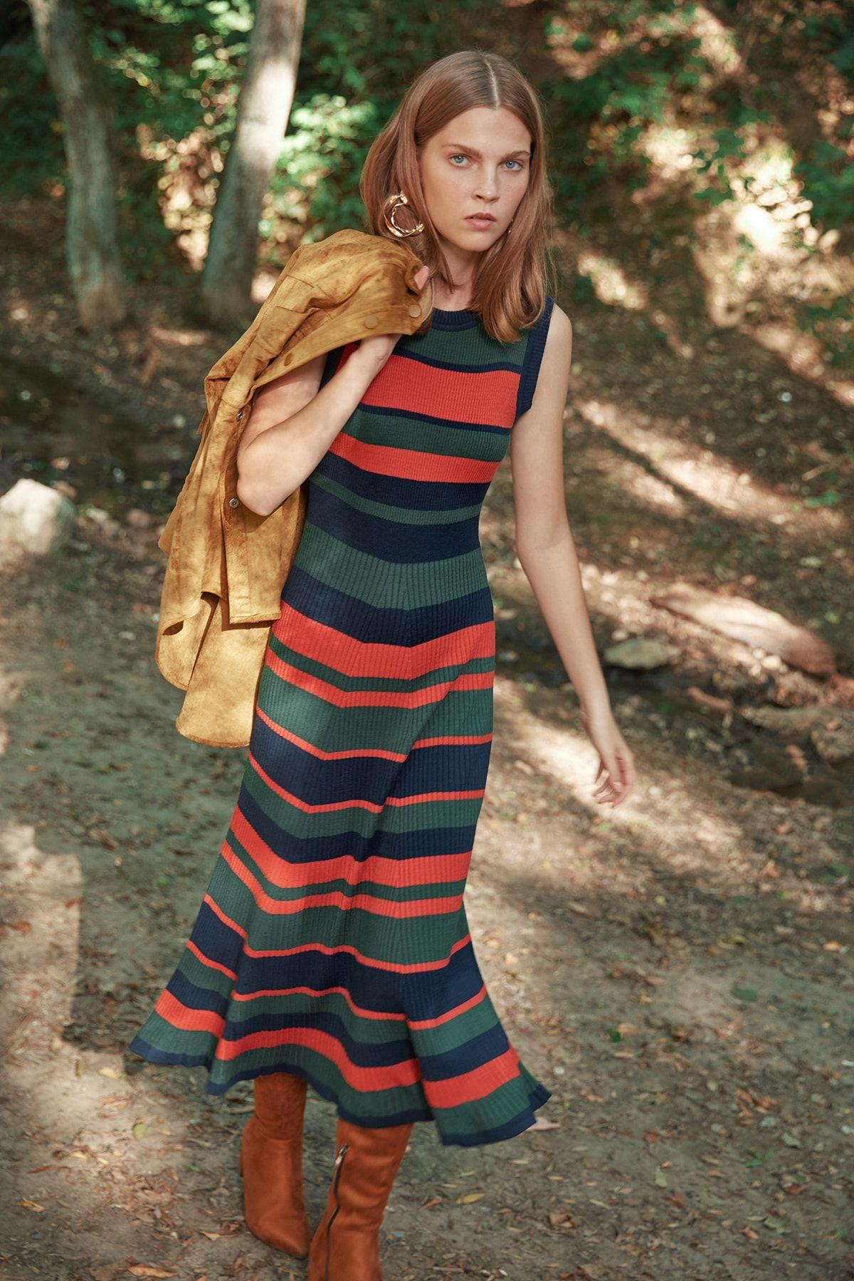Trendyolmilla Lacivert Cizgili Midi Triko Elbise Fashion Stripe Style Maksi Elbiseler Elbise Triko