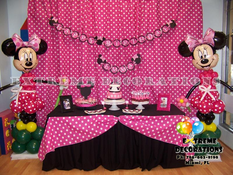 Minnie Mouse Birthday Decoration Ideas Minnie Red Cake table