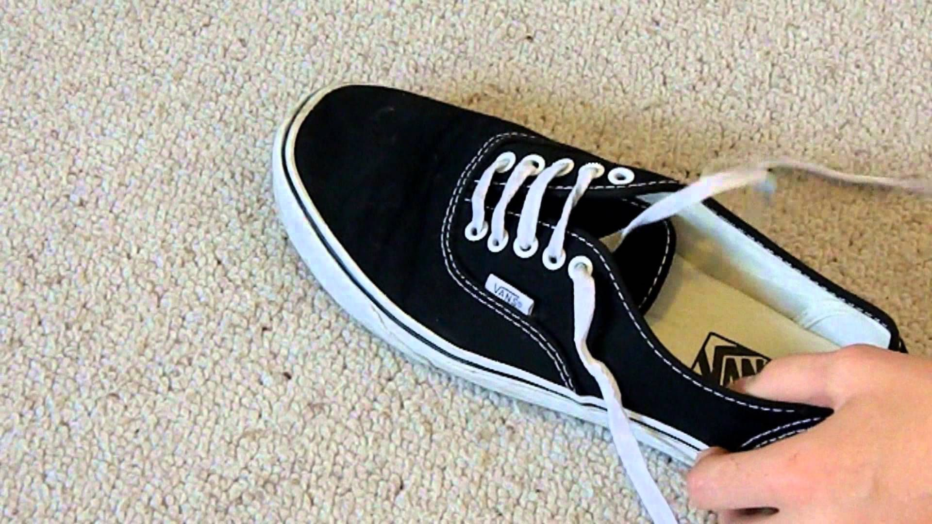 How to Bar Lace Vans (hidden knot) | Lacets chaussures ...