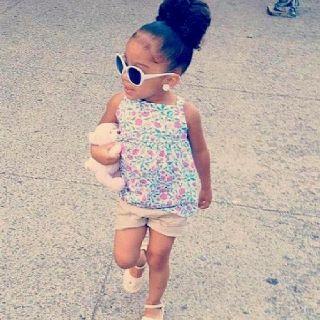 Gorg little girl! Love her hair!