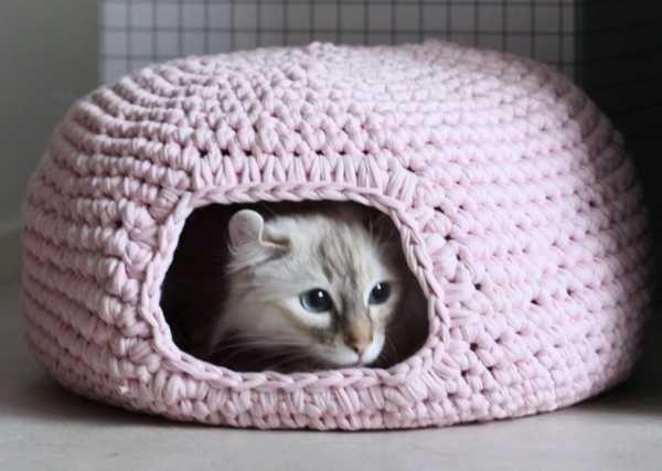 Anleitung für eine gehäkelte Katzenhöhle