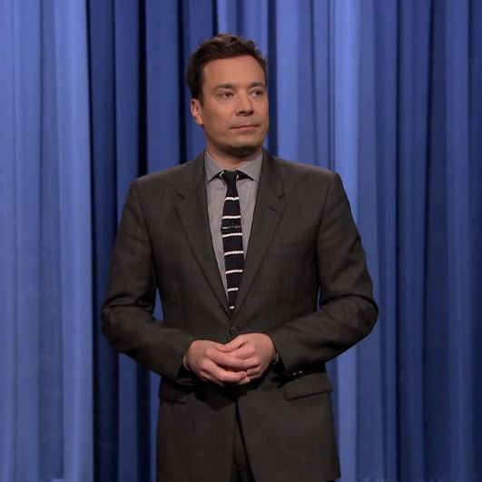 Jimmy Fallon-charcoal suit-Light grey shirt-Black tie-Tonight show ...