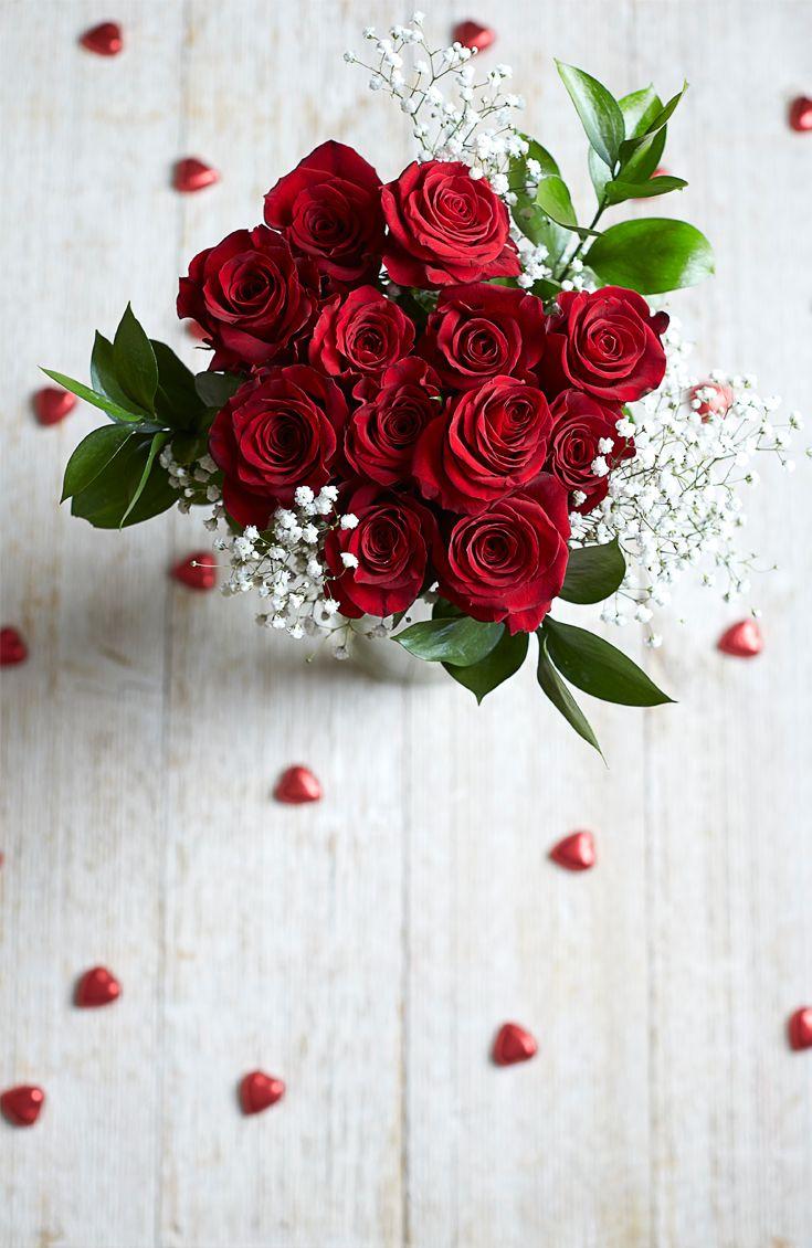 offrir un bouquet de roses rouges pour la saint valentin un classique roses vari tes. Black Bedroom Furniture Sets. Home Design Ideas