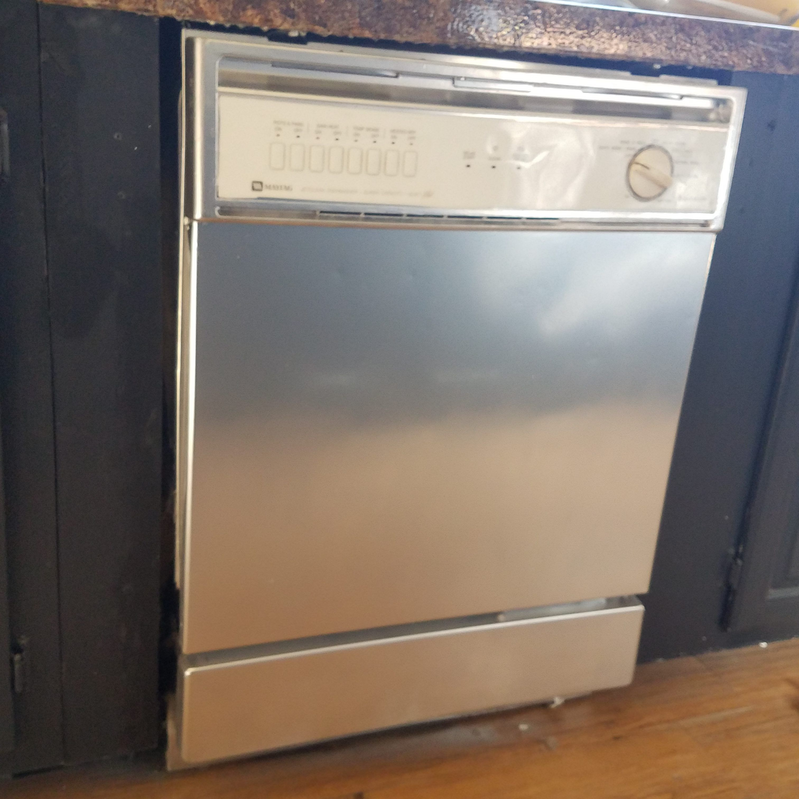 How To Spray Paint A Dishwasher Stainless Steel Cassie Smallwood Stainless Steel Spray Paint Painting Appliances Stainless Steel Dishwasher