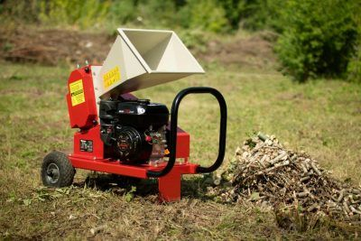 AM-60BD wood chipper – 3 year warranty!  Home delivery!