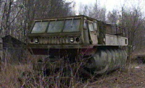 Strange screw vehicle