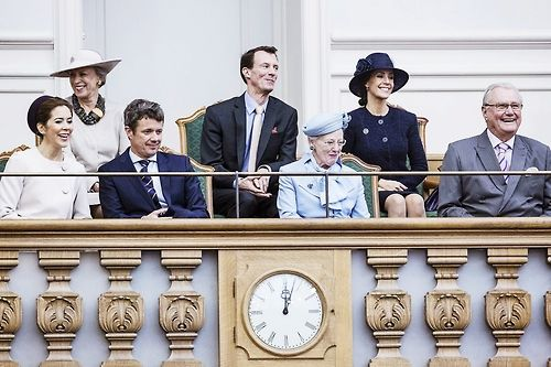 kronprinsenfrederik: Danish State Opening of Parliament, October 7, 2014-front l-r Crown Princess Mary, Crown Prince Frederik, Queen Margrethe, Prince Henrik; back l-r-Princess Benedikte, Prince Joachim, Princess Marie