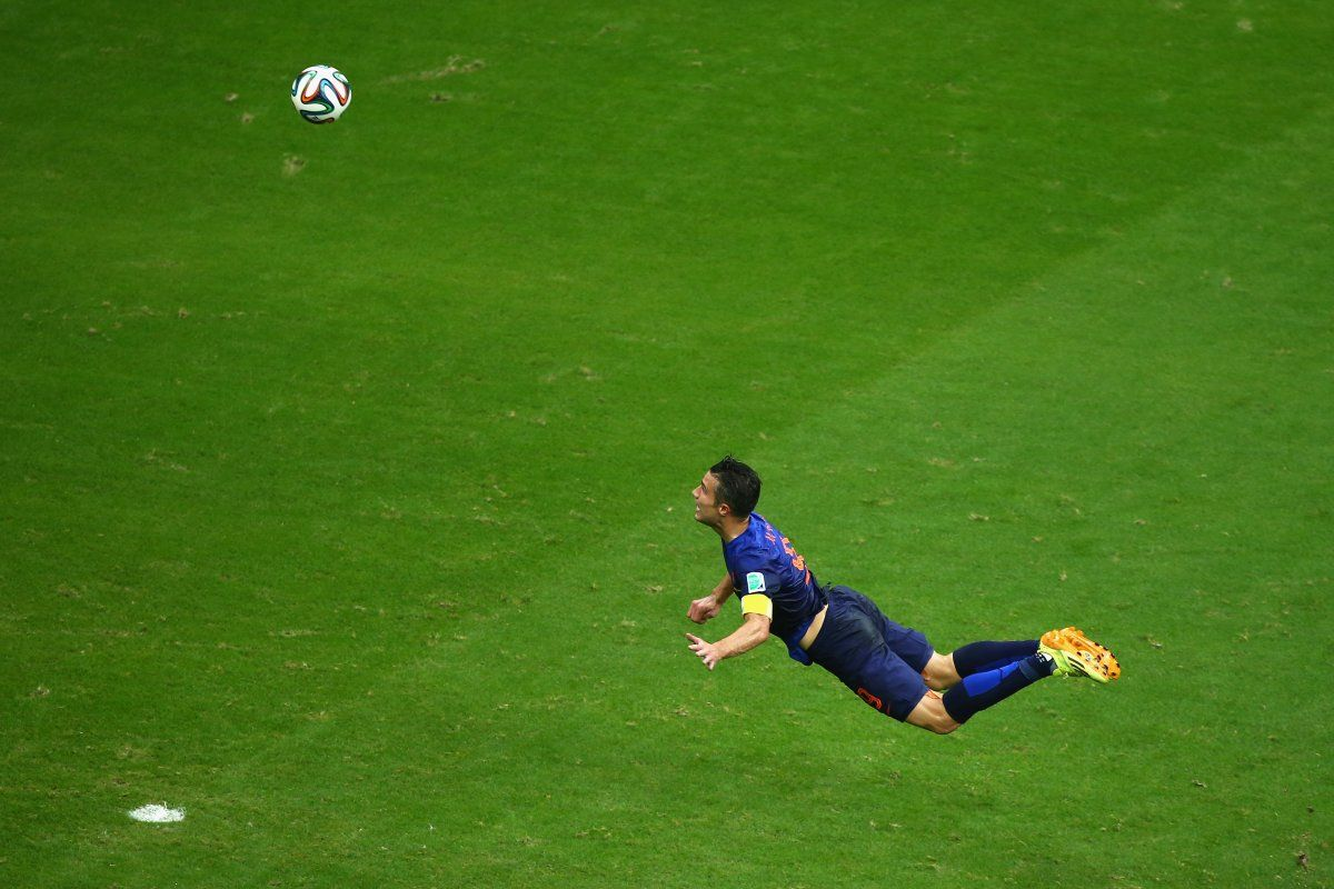 An Instant Classic Photo Of Robin Van Persie S Flying Header Goal At The World Cup World Cup Match Van Persie Robin Van Persie