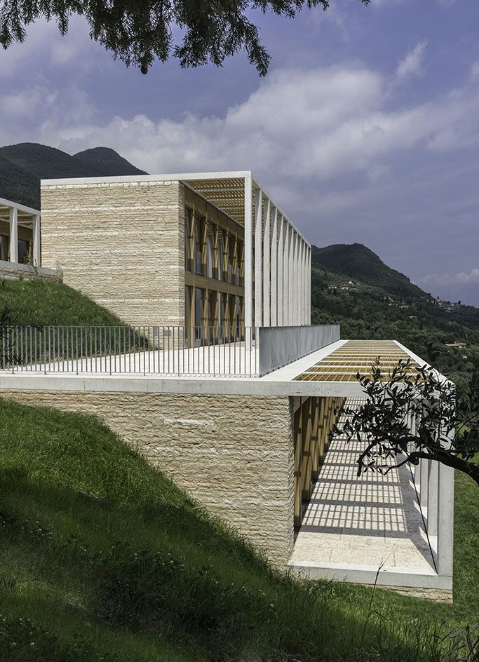Lake garda villa by david chipperfield architects for Architektur klinker