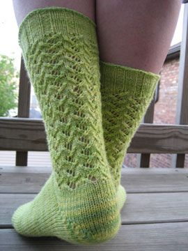 Socks--advanced beginner--toe up. Nice introduction to lace work. Can do this!!!!