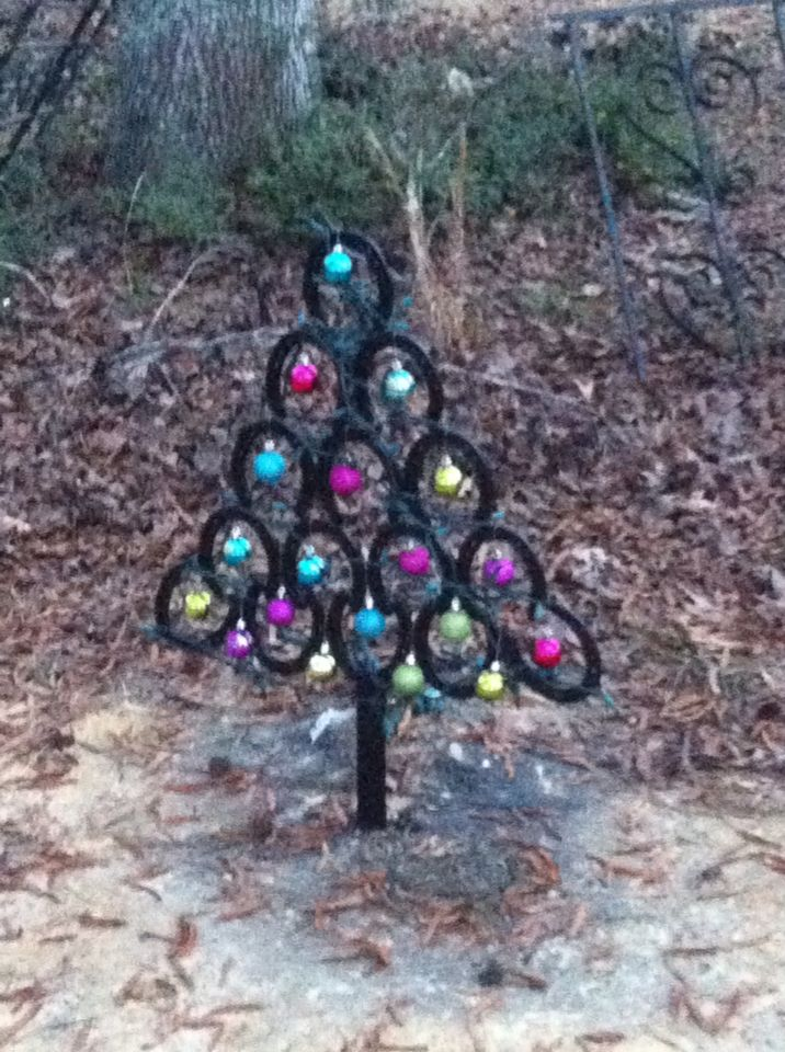 Horseshoe Christmas Tree For Sale.Welded Horseshoe Christmas Tree 75 Brookhaven Ms C And B
