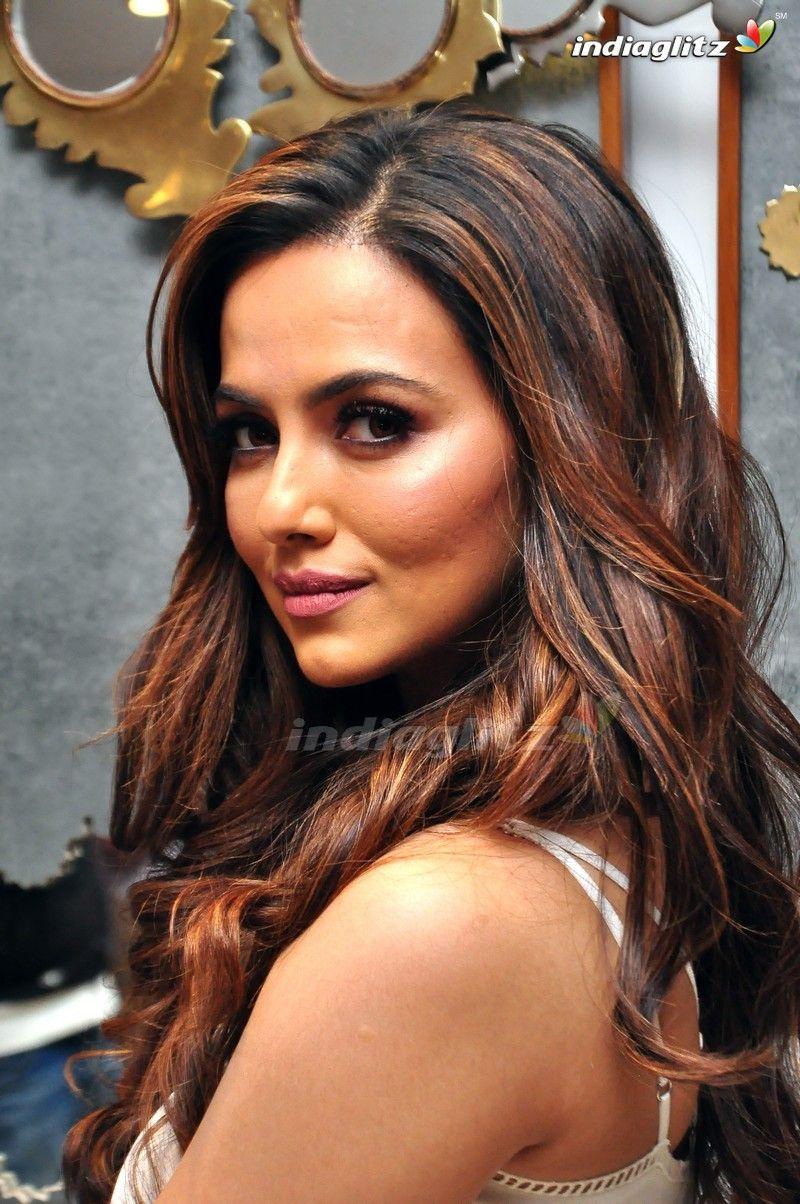 Beautiful Things by rina cheah Sana khan, Tamil actress