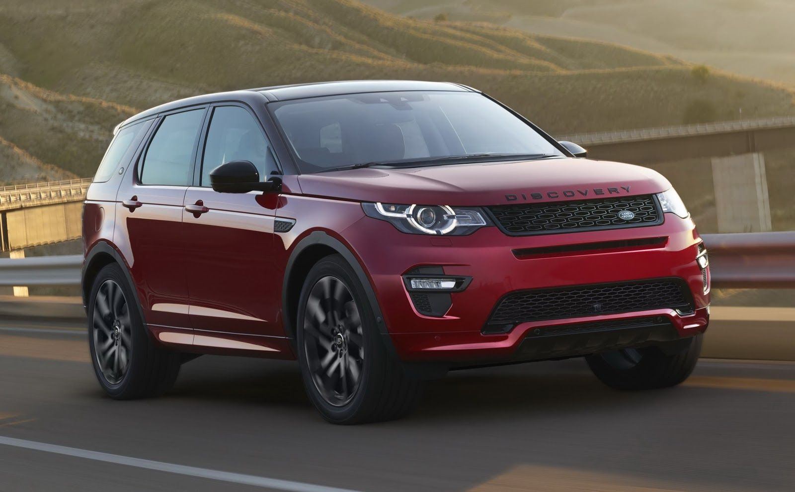 Land Rover Discovery Sport Gets New Hse Dynamic Lux For Frankfurt Carscoops Land Rover Discovery Sport Rover Discovery Land Rover