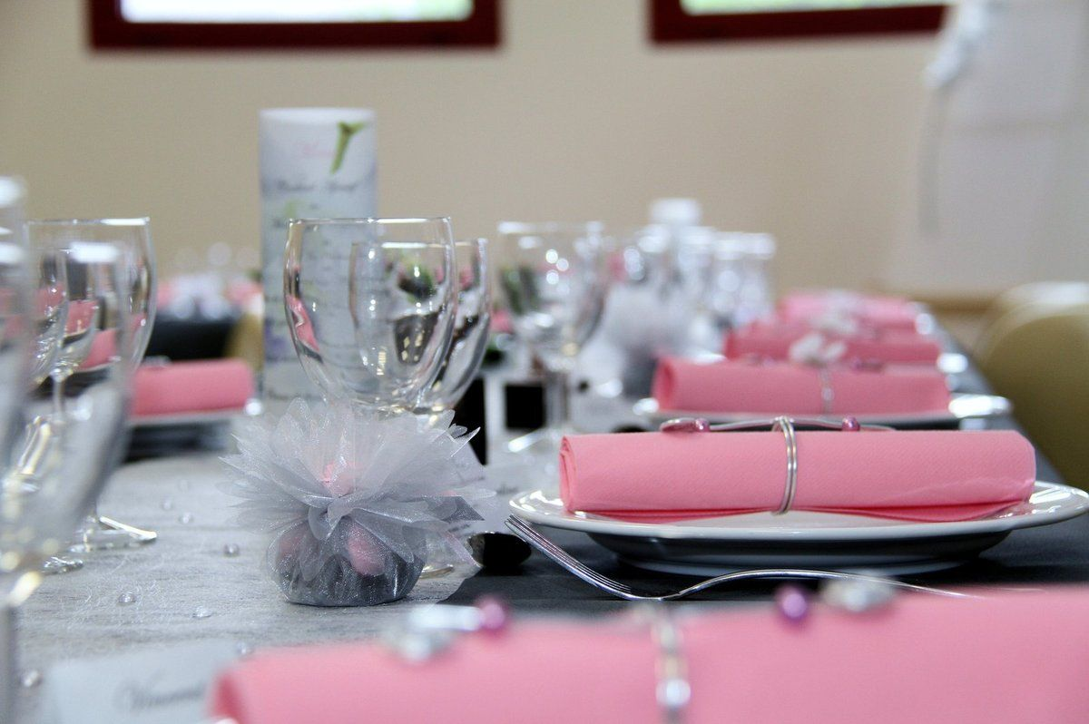 Mariage d coration de table gris rose et blanc for Rose pale et gris