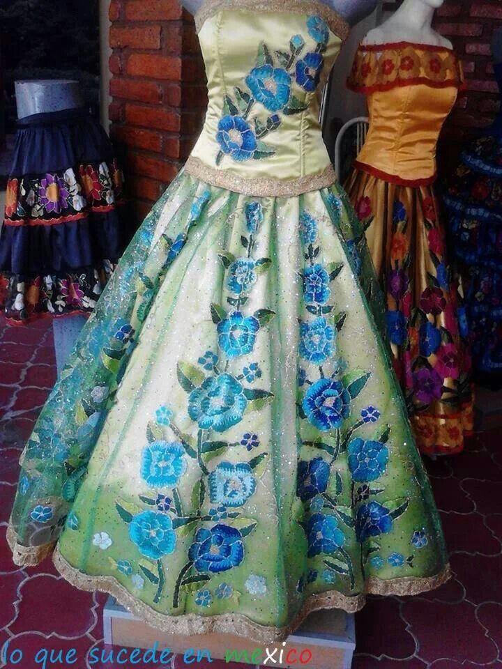 605c74a36b Vestidos regionales bordados a mano