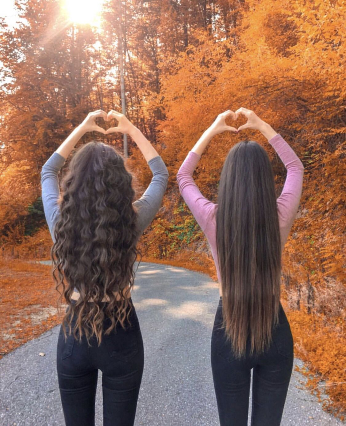 Perfect curly versus straight best friend hairstyles