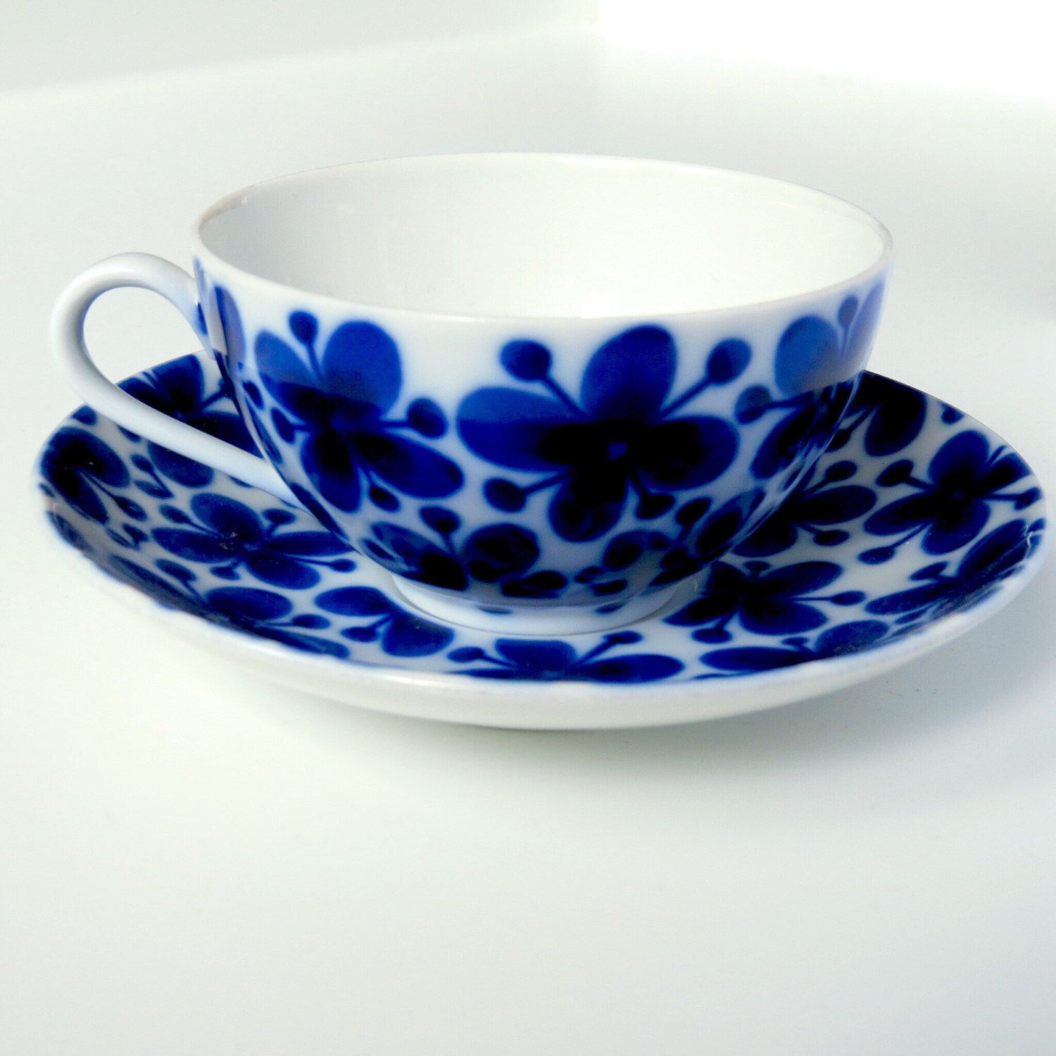 Rorstrand Mon Amie blue and white porcelain tea cup and saucer / Scandinavian modern mid century modern / See shop Arabia Gustavsberg Stig by VintageDesignTreats on Etsy https://www.etsy.com/listing/450972086/rorstrand-mon-amie-blue-and-white