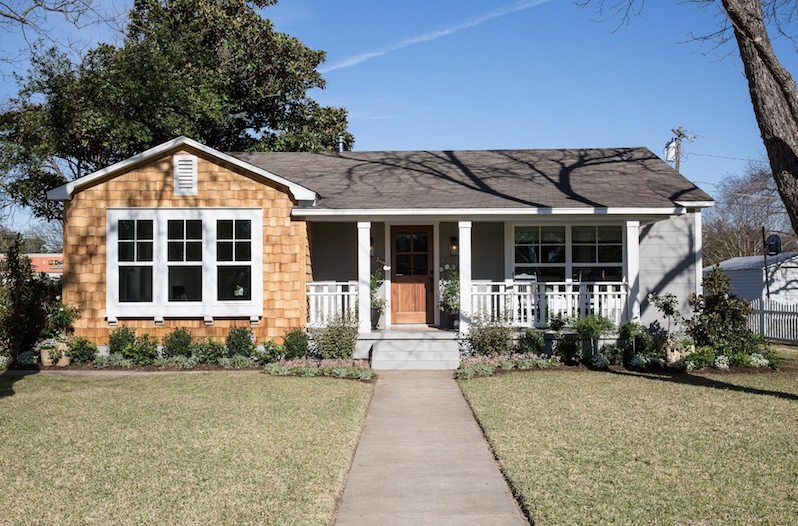 The Baker House From Fixer Upper Just Hit The Market Fixer Upper House Exterior Paint Colors For House House Exterior