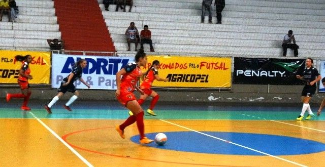 Sem a capitã Kessany, Agricopel/ADTB/Telêmaco Futsal vence Guarapuava de goleada no Furtadão