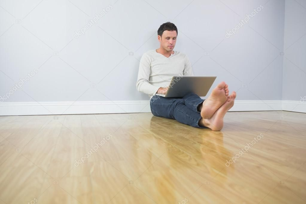 Casual Handsome Man Leaning Against Wall Using Laptop Royalty Free Stock Images Sponsored Leaning Wall Man Stock Images Free Handsome Men Bright Rooms