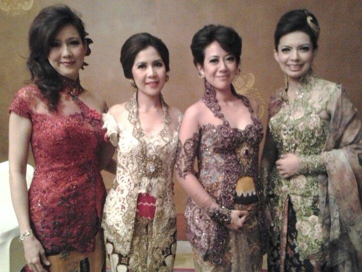 Klambi Kutu Baru: Kebaya, Batik Kebaya, Dresses