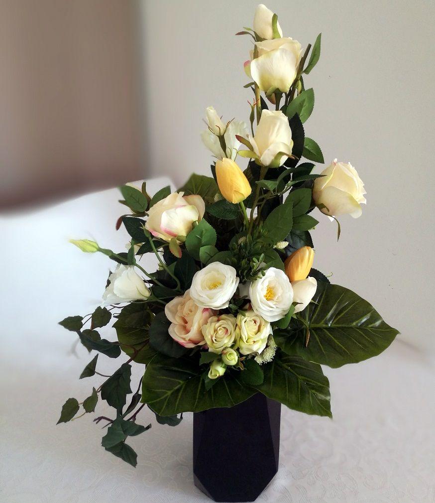 Bukiet Na Na Cmentarz Kremowy Nr 143 Swiateczne Atelier Floral Floral Wreath Wreaths