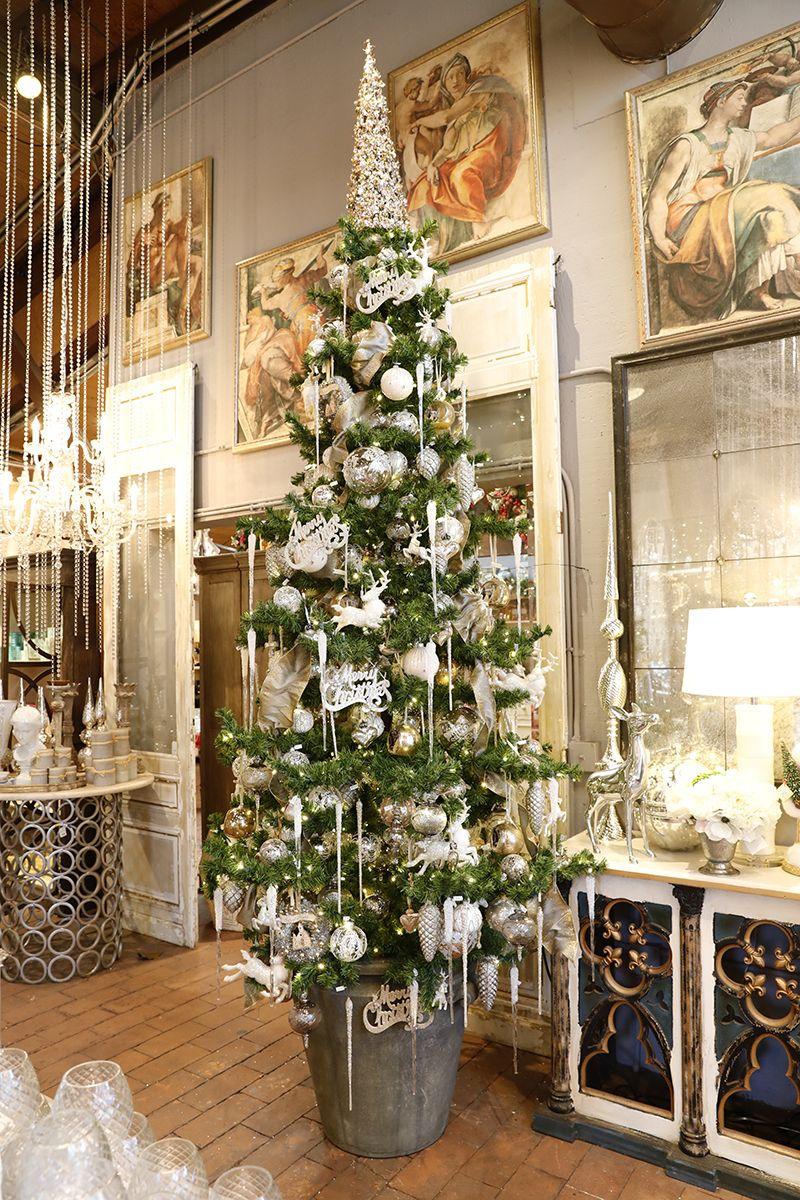 a40f4225e714a0a3aa5e8b5c751d6124 - When Does Rogers Gardens Decorated For Christmas