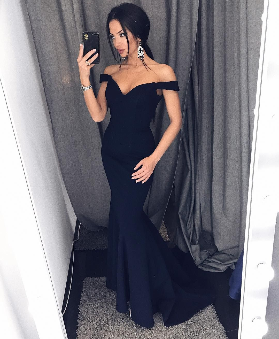 Fashion navy blue off the shoulder mermaid prom dresssweep train