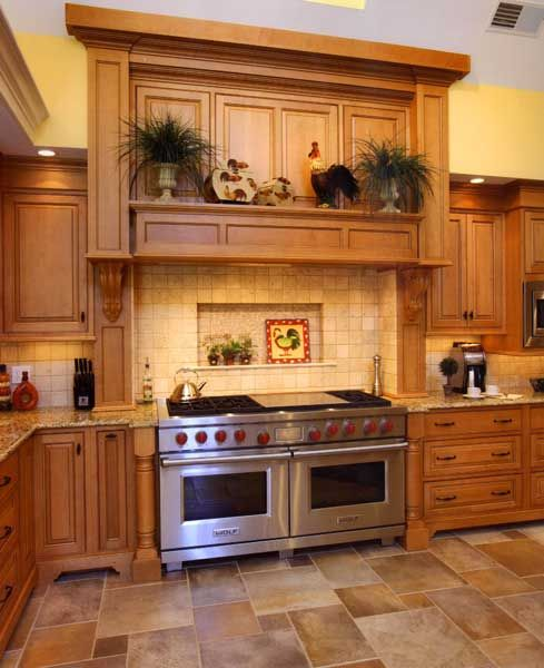 Traditional Kitchen Floor Tiles: Fabulous Oven And I Love How The Colors In The Floor Tile
