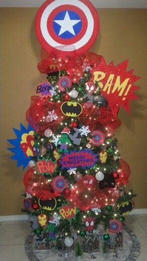 Avengers christmas tree holidays pinterest navidad - Decoracion de arboles navidenos para ninos ...