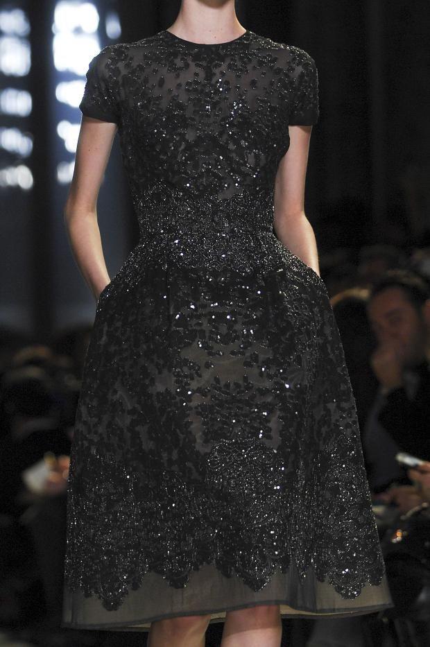 125d3b01b74d53 balenciwanga  Elie Saab Haute Couture Spring...