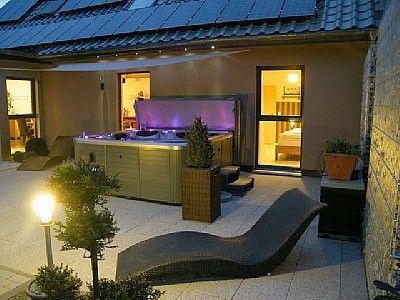 Ferienhaus Fur Bis Zu 8 Personen In Schlossheck Eifel Deutschland Objekt Nr 532349 Jacuzzi Cottages Relax