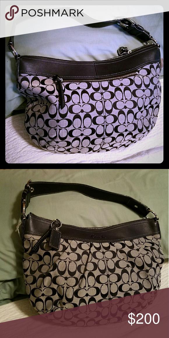 85ca9d89011 Selling this Coach Bag on Poshmark! My username is  ivyslatin.   shopmycloset  poshmark  fashion  shopping  style  forsale  Coach  Handbags
