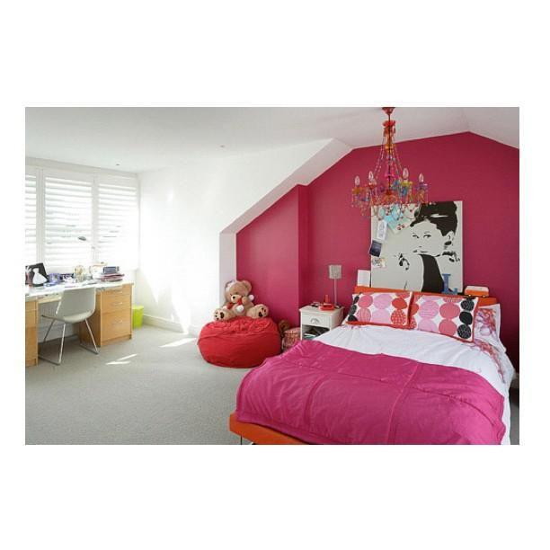 Girly Bedroom Audrey Hepburn Poster: Audrey Hepburn Inspired Room. Lovelyyy! :)