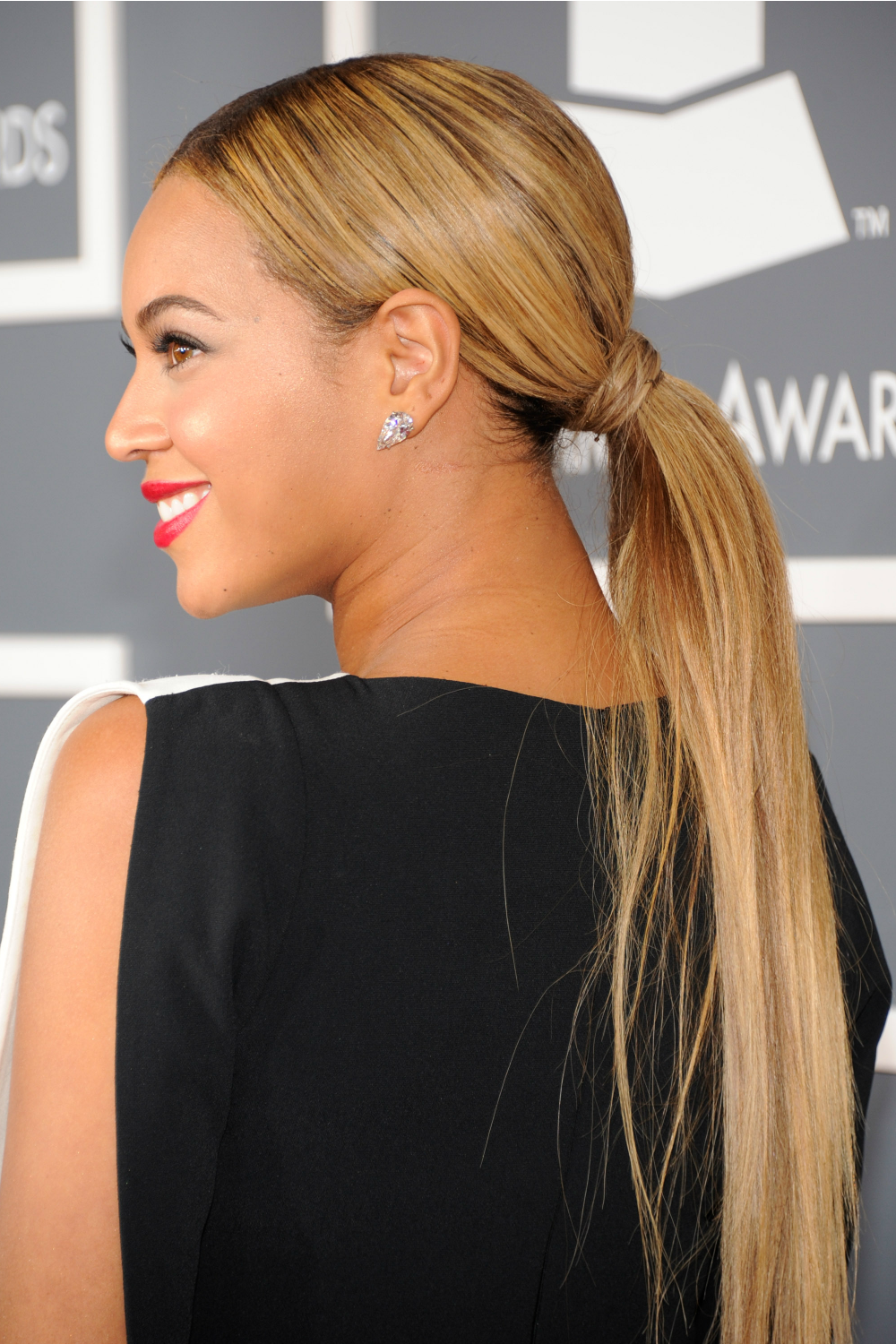 20 Sexy New Ways To Style A Ponytail