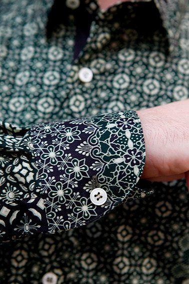 Indonesia Inspiration Men Shirt... Great use of contrast fabrics