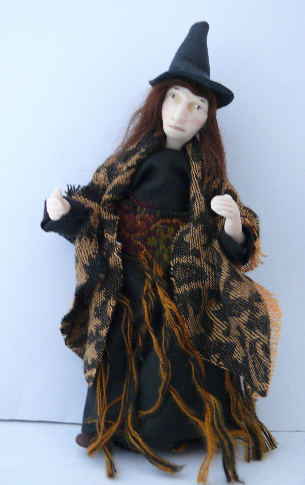 Artisan Dolls House Polymer Clay Witch/ Hag  Ooak Figure 1:12th in glass display Puppenstuben & -häuser