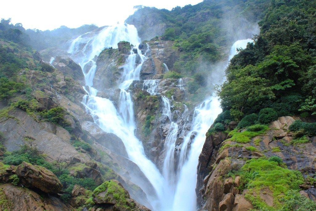 Dudhsagar falls - Buscar con Google