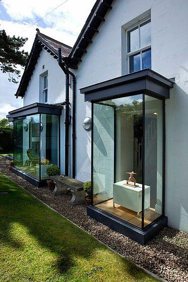 frameless glass box seat to residential property wwwiqglassuk - maison avec toit en verre
