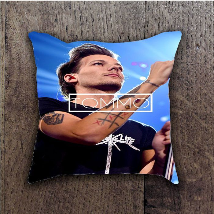LOUIS TOMSON 1D BATHROOM PILLOWS