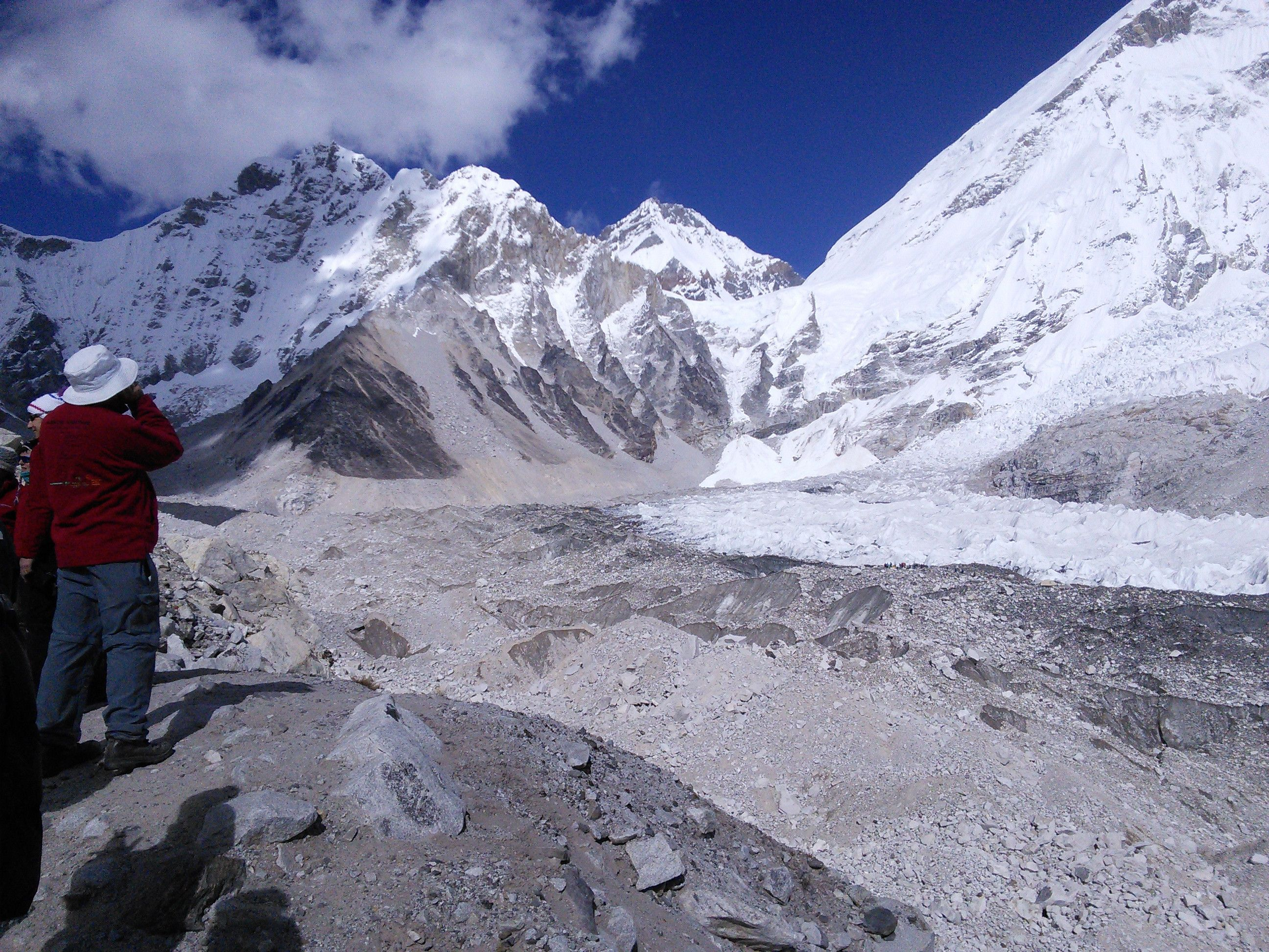 Hello Reddit from Mount Everest Base Camp, 5367m and 53% ...