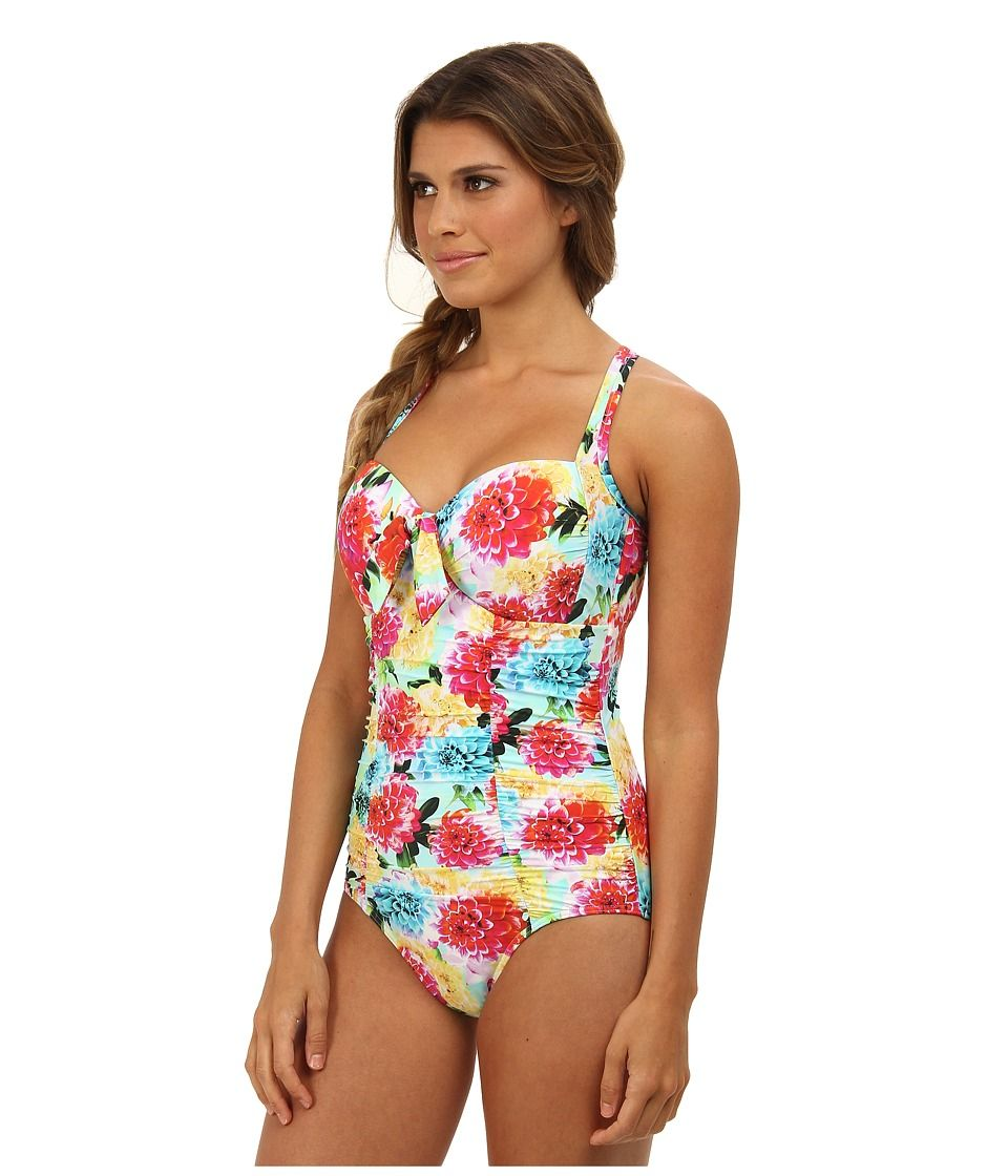 8135ce670 This is the perfect one piece swimsuit for Large Bust body type.  seafolly