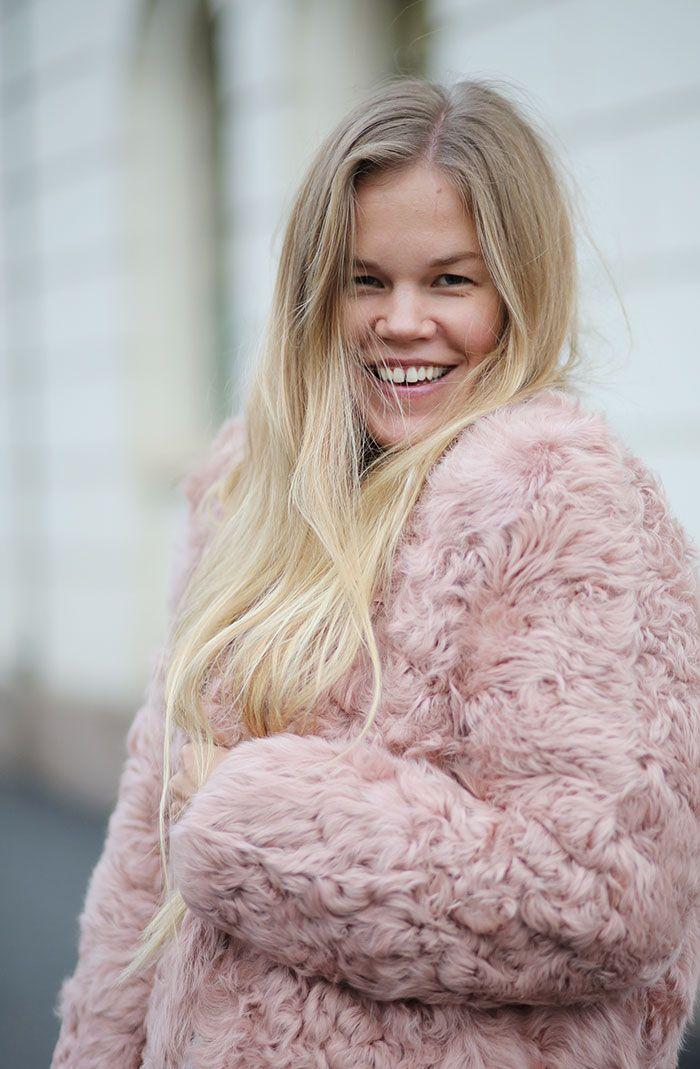 18e48fbd Shearling / Pink / Fashion / Style / Blog / Outfit / Elen Kristvik /  Epilogue