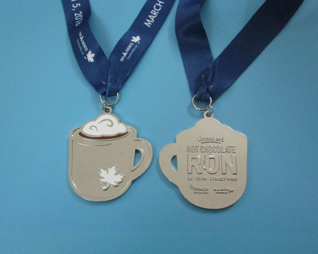 2016 Hot Chocolate Run Finishers Medal www.tryevents.ca ...