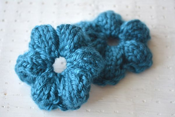 Simple Knit Flower Colorful Flowers Flower Designs And Knit Flowers