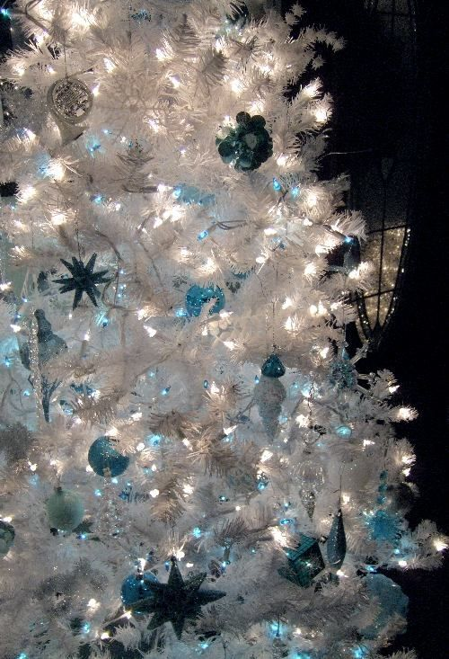 25 Awesome Blue Christmas Decorations Ideas Pinterest Christmas