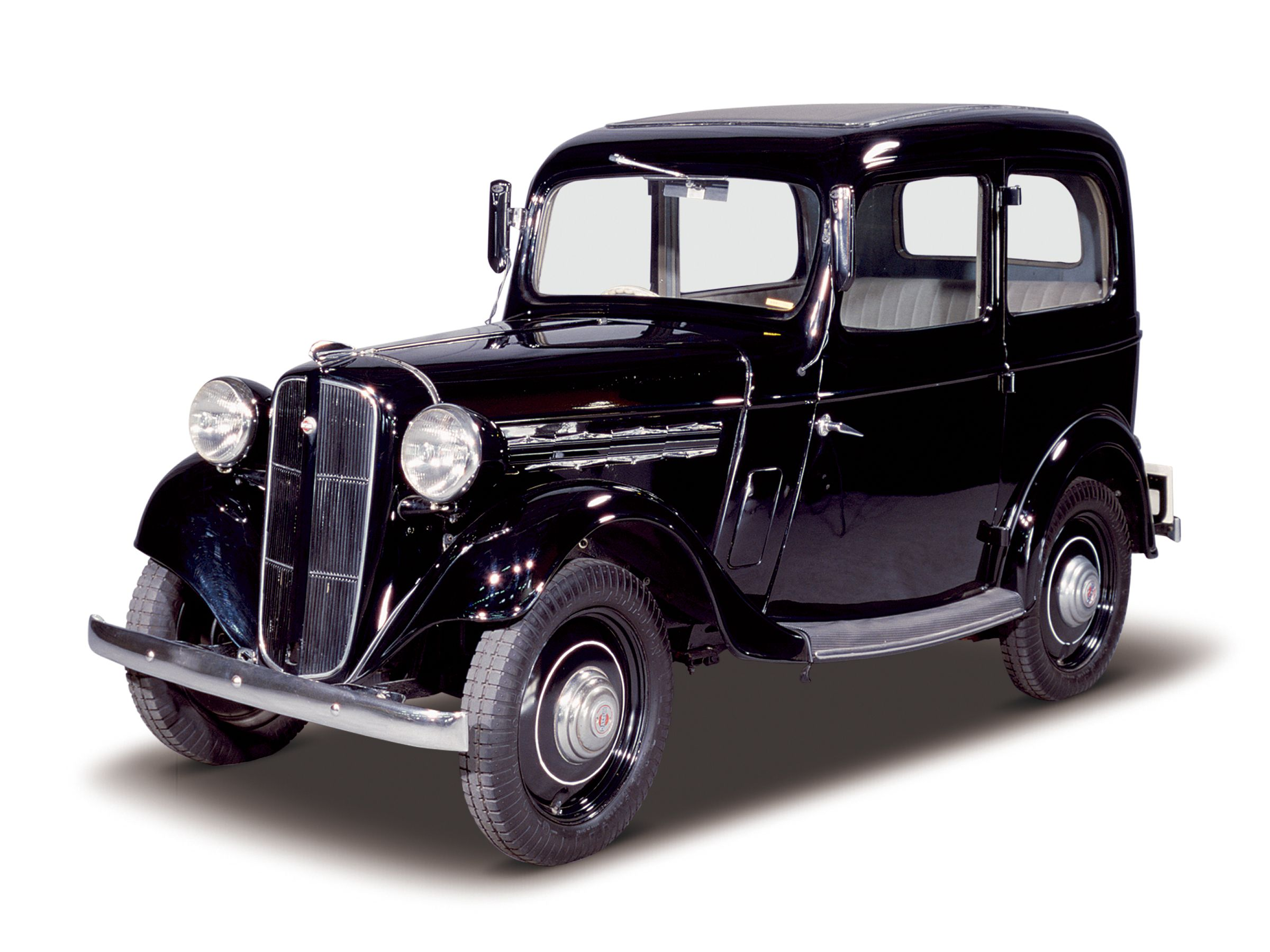 1938 Datsun Sedan. This rugged and very economical Datsun was hugely ...