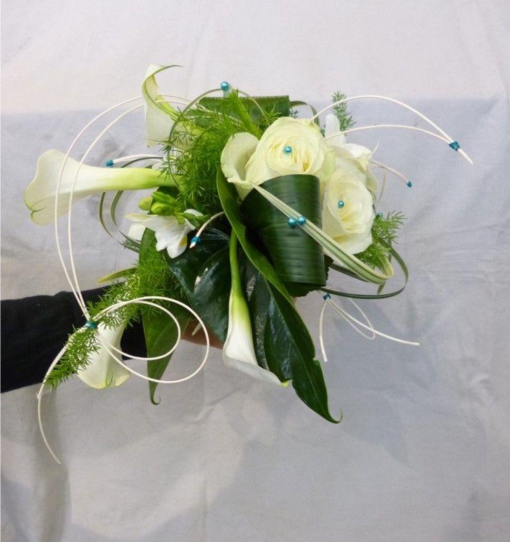 bouquet de mari e blanc et vert structur wedding flowers wreaths. Black Bedroom Furniture Sets. Home Design Ideas