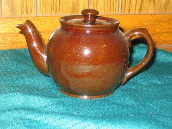 """Sadler """"Brown Betty"""" teapot"""