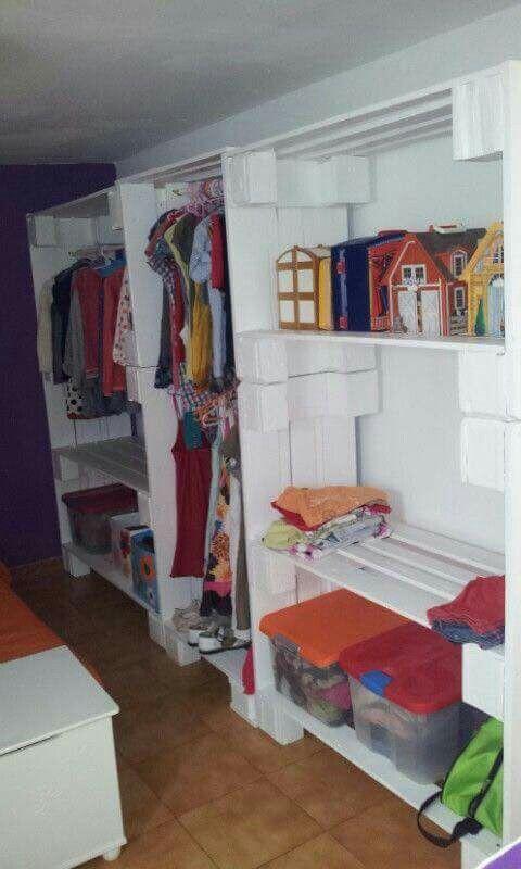 Muebles de tarimas palets closets pinterest - Armarios hechos con palets ...